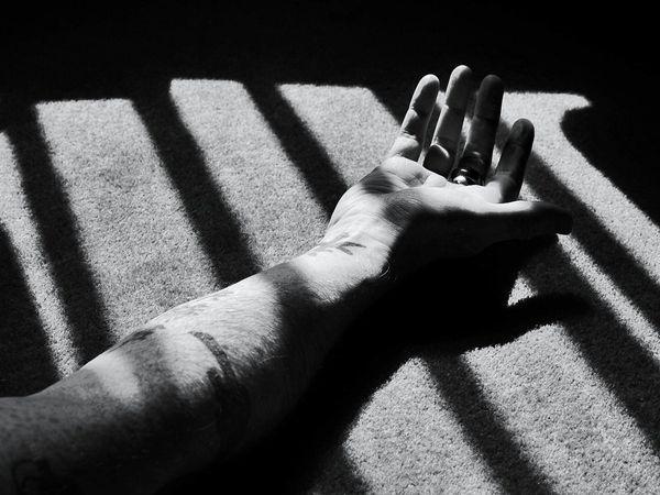 قتلت زوجها بمشاركة حبيبها وشخص آخر كان يمارس الرذيلة معها ..تفاصيل مؤلمة