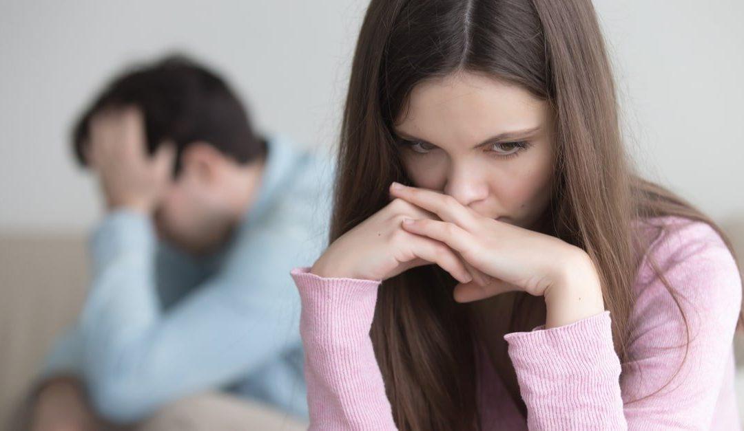 زوجة مكلومة تنصح الزوجات: لا تتركي زوجك وحيدا في الشقة